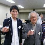 中央大学名誉教授・中央大学数学科同窓会名誉会長の関野薫先生とツーショットです。