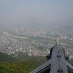 金華山にある岐阜城から濃尾平野が一望できました。                                  ・岐阜城の天守に立てば風涼し(和良)