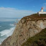 「ここで陸地果て、海始まる」とカモンイスが詠んだロカ岬です。 ・霧晴れてここは地の果てロカ岬(和良)