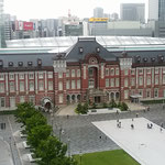 駅前広場も整備され、東京駅は開業当時の美しさが再現されました。   ・霾晴れて東京駅の美しく(和良)