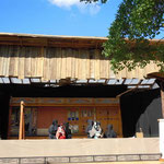 徳島城の中央公園で今年も人形浄瑠璃の公演がありました。好評でした。  ・浄瑠璃の小屋掛け公演阿波は秋(和良)