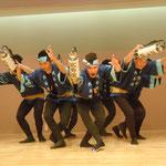 アミコフェスタで見た阿波踊です。気風良い男踊りでした。                                ・二拍子で静から動へ阿波踊(和良)