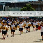台風で順延されていた藍住東小学校の運動会が始まりました。  ・万国旗なき順延の運動会(和良)