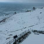 奥能登の白米千枚田に行ってきました。日本海は荒れていました。    ・冬の海猛る白米千枚田(和良)