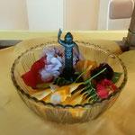 花御堂には小さな誕生仏があり参詣者から甘茶が掛けられていました。  ・効能を書きある甘茶くだされし(和良)