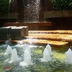 JR浜松駅の地下街には噴水があり涼しい風が吹き渡っていました。   ・地下街に噴水のある涼しさよ(和良)