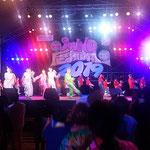 フェスティバルは人気グループのダンスで盛り上がりました。 ・夏の夜の夢のやうなるフェスティバル(和良)