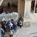 ジェロニモス修道院に飛蝗の像があり観光客の注目を集めていました。 ・教会の飛蝗の像に冬日濃し(和良)