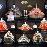 鳴門ウチノ海総合公園の管理棟には約1500体の雛人形が飾られていました。  ・名人の作りし雛の見て飽きず(和良)