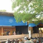 徳島城の小屋掛公演で人形浄瑠璃「傾城阿波の鳴門・巡礼歌の段」を見ました。  ・小屋掛で浄瑠璃を見る阿波の秋(和良)