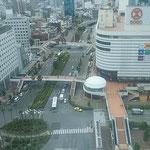 徳島の中心街では暑さのためか街を歩く人がいませんでした。      ・街歩く人を見かけぬ炎暑かな(和良)