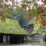 紅葉が始まったばかりの飛騨の里に行きました。静かでした。  ・紅葉といふ静けさのありにけり (和良)