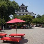 犬山城の城内の茶店で心太をいただきました。                                       ・犬山の城は国宝心太(和良)