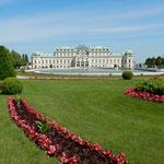 ウィーンのベルベデーレ宮殿にはクリムトの絵が展示されていました。  ・クリムトの接吻も見てカンナ燃ゆ(和良)