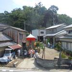 吉野川市川島町岩の鼻で見た地蔵盆です。                                        ・地蔵会や子らの姿はなけれども(和良)