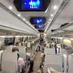 ワルシャワからクラクフまでは列車で行きました。           ・冷房の効きたる列車揺れもなく(和良)