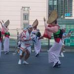 娯茶平の男踊りと女踊りは呼吸があっていました。             ・息の合ふ男と女阿波踊(和良)