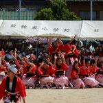 藍住東小学校の運動会の午前の部のフィナーレは恒例の阿波踊でした。 ・阿波なれや運動会も阿波踊(和良)