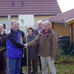 Rebstockverpflanzung 2004 - 20 Jahre Partnerschaft