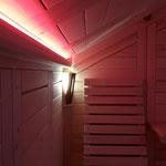 Indirekte Beleuchtungselemente für verschiedene Lichtstimmungen, Rückenteil aus Espenholz