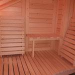 Verschiedene Sitzelemente und Rückenteile aus Espenholz in Maßanfertigung
