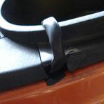 Kabelstrang aus dem Sitzbankeinsatz geführt (mit Isolierband etwas die scharfen Kanten gemildert