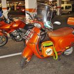 im Parkhaus Industriegebiet Rielasingen mit farbgleicher (!) Honda