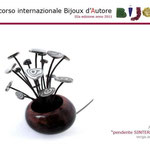 """1° premio sezione BIJOUX D'AUTORE: Angelo Verga con pendente 'SINTERED NATURE"""""""