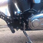 Vorverlegte Rastenanlage Harley Davidson FatBoy links