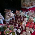 Bordesholmer Landfrauen; Weihnachtsmarkt an der Klosterkirche im Dezember 2016