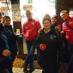 Bordesholmer LandFrauen beim Eisstockschießen in Neumünster im Nov. 2018