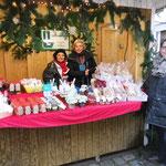 Bordesholmer Landfrauen; Weihnachtsmarkt an der Klosterkirche im Dezember 2017