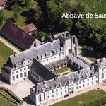 Abbaye de Saint Wandrille, à 50 min le long de la Seine en aval de Rouen