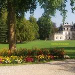 Chateau d'Acquigny à 10 km du Gîte