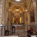 A l'intérieur de la cathédrale