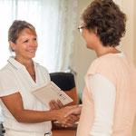 Begrüßung einer Patientin