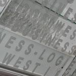 Halle Münsterland | Bussiness Loge | Beschriftung mit Glasdekor Folie