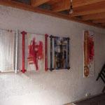 Schild und Bilder (Demeter und Lilith) von der Ulmer  Künstlerin Petra Fröscher-Schaupp