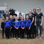 Basisgruppe Bad Ems 8 mit Longenführerin Ariane Dittmer, Helferin Julia Weck und Pferd Mitzy