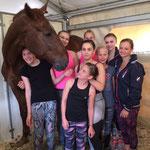 M-Gruppe mit Pferd Lucky Frederic