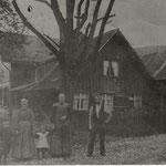 Das Haus rechts gehört J. Oesch, Aufnahme ca. 1913