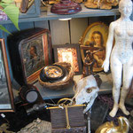 mannequin d'accupuncteur et entre autre icone de voyage école de Kiev