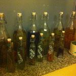 unsere hausgemachten Öle und Essige