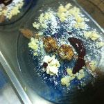 Biskuit-Vanillekugeln im Schoko-Kokosmantel mit Brombeer-Pfirsichmus