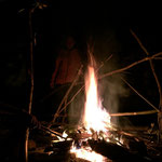 Lagerfeuer im Survival Camp bei SOG www.sports-outdoorguide.de