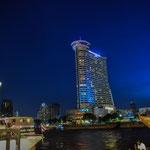 Nachts am Chao Phraya, dem Fluss der Könige