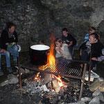 Am Abend brodelte auch noch der Zaubertrank am Feuer, nach diesem Trunk wurden wir alle weise.