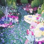 三重県花博、某開発公団社の作品で銅賞を受賞。デザインに携わらせて頂きました(流れる川をお花でイメージ、噴水に見立てたりと花と水のオアシスを表現)/1999