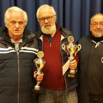 Sieger Senioren v.l.n.r.: Johannes Eilers (3.); Ihno Jannssen (1.); Günther Buchholz (2.)