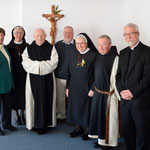 Sr. Ansvera bekam Besuch aus Dänemark - der Gemeindepfarrer, zwei Trappistmönche, Frau Olbricht vom Ansgarwerk und Gemeindemitglieder